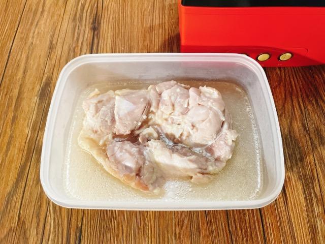 鶏もも肉のサラダチキン