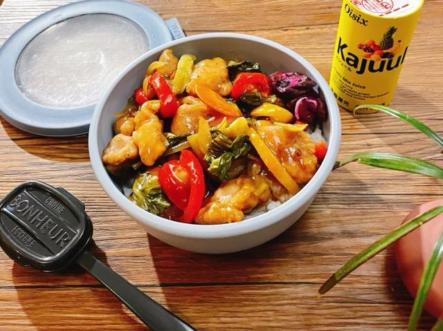 鶏肉と青梗菜メインの丼弁当